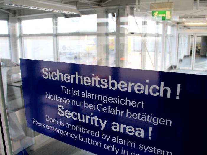 """Photo of Flughafenverband spricht von """"angespannter Sicherheitslage"""""""
