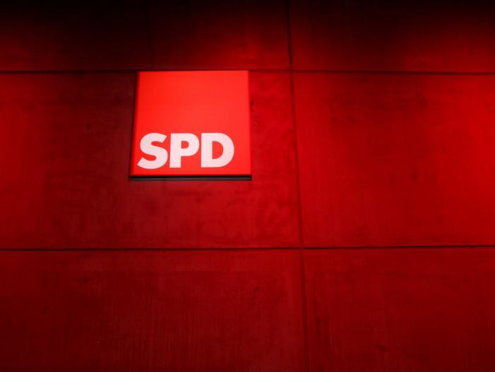 """Bild von Tauber wirft SPD """"Antiamerikanismus"""" vor"""