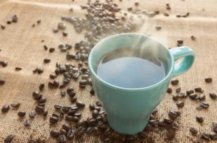 Kaffeetasse 310x205 - Kaffee - Muntermacher am Arbeitsplatz