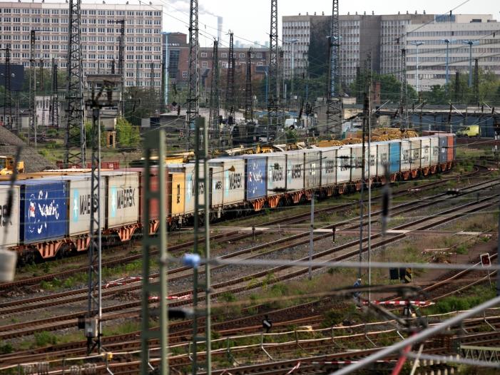 Photo of Bahn will Schienengüterverkehr zwischen Europa und China ausbauen