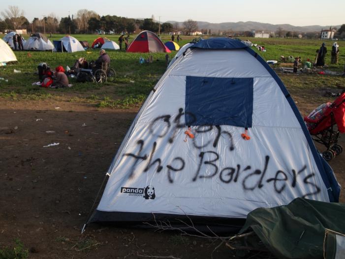 Photo of Italiens Einwanderungsbehörde: Identität kann frei erfunden sein