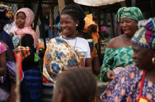 Frauen Gambia 310x205 - Senegalesische Truppen dringen nach Gambia ein
