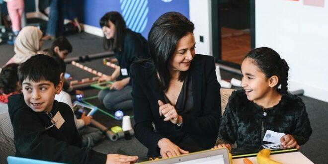 Sheryl Sandberg 660x330 - Facebook eröffnet Digitales Lernzentrum in Berlin