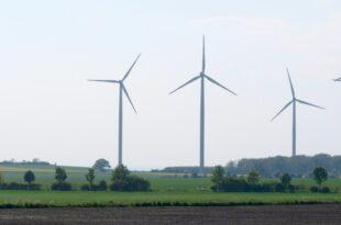hendricks verteidigt umstrittenes windkraft gesetz 310x205 - Hendricks verteidigt umstrittenes Windkraft-Gesetz