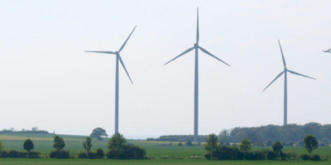 hendricks verteidigt umstrittenes windkraft gesetz 660x330 - Hendricks verteidigt umstrittenes Windkraft-Gesetz