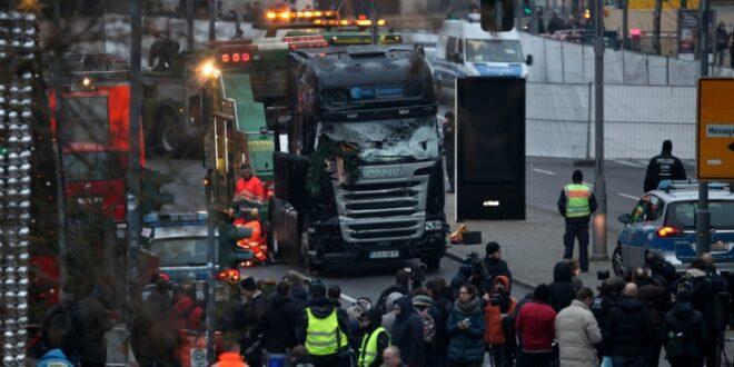 merkel und hollande besuchen anschlagsort am breitscheidplatz 660x330 - Merkel und Hollande besuchen Anschlagsort am Breitscheidplatz