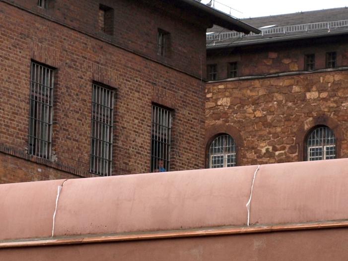 Photo of NRW-Polizei will mehr Plätze für Abschiebehaft