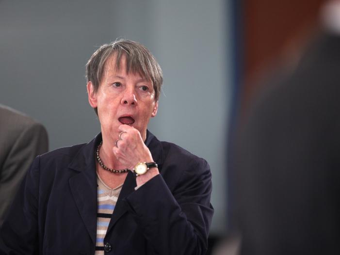 """Photo of Union wirft Umweltministerin Hendricks """"Öko-Dirigismus"""" vor"""
