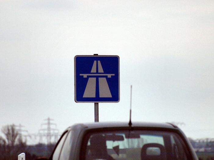 Photo of Verkehrsminister will wieder strenge Abgasuntersuchung für alle Autos