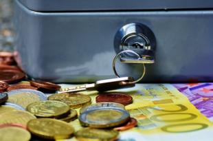 Geldkassette 310x205 - Studie: Um die finanzielle Grundbildung steht es schlecht in Europa