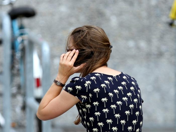 Photo of CDU-Politiker Hauk will härter gegen Telefonbetrüger vorgehen