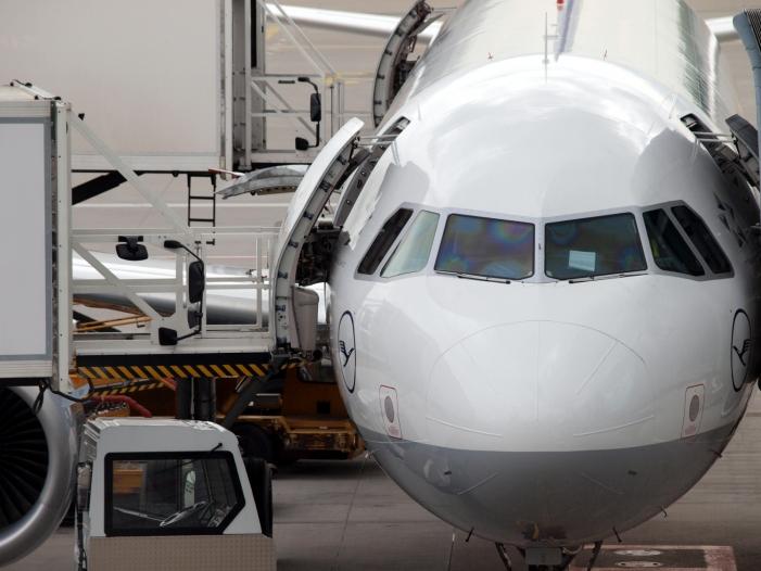 Photo of Lufthansa nimmt Schlichtungsempfehlung im Tarifstreit mit Piloten an