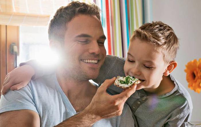 Salzkonsum Kochsalz: Ernährungsmediziner zweifelt an Risiken des Salzkonsums