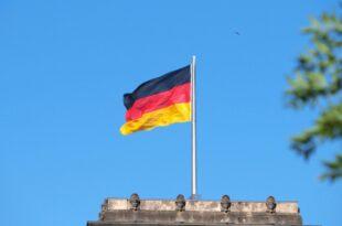 cdu setzt im bundestagswahlkampf auf schwarz rot gold 310x205 - CDU setzt im Bundestagswahlkampf auf Schwarz-Rot-Gold