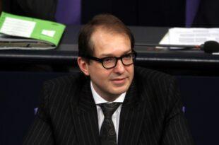 dobrindt will vertraege von bahn vorstaenden um fuenf jahre verlaengern 310x205 - Dobrindt will Verträge von Bahn-Vorständen um fünf Jahre verlängern