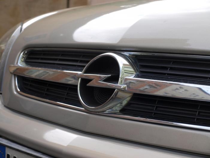 Photo of Weg mit Schaden, Kommentar zu Opel von Peter Olsen