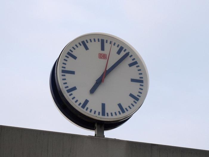 uhren auf sommerzeit umgestellt - Uhren auf Sommerzeit umgestellt