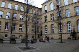 umfrage westdeutsche empfinden druck auf schulkinder als zu hoch 310x205 - Umfrage: Westdeutsche empfinden Druck auf Schulkinder als zu hoch