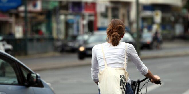 bund setzt auf mehr fahrradschnellwege fuer berufspendler 660x330 - Fahrradunfall: Was man über die Absicherung wissen sollte