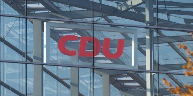 cdu wuerdigt verdienste adenauers um europa 660x330 - CDU würdigt Verdienste Adenauers um Europa