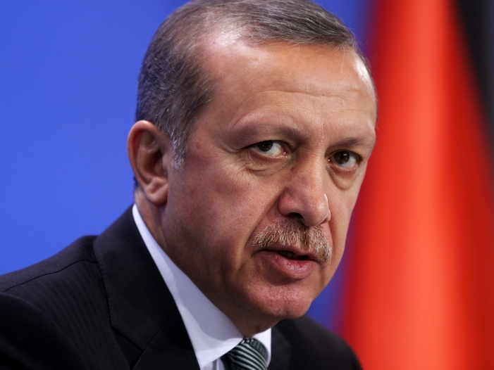 Bild von Erdogan proklamiert Sieg bei Referendum