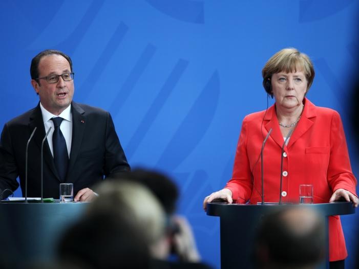 Bild von Merkel und Hollande sprechen über US-Luftangriff in Syrien