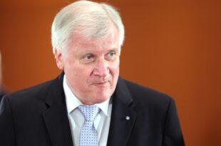 seehofer soll erneut csu spitzenkandidat fuer landtagswahl werden 310x205 - Seehofer soll erneut CSU-Spitzenkandidat für Landtagswahl werden