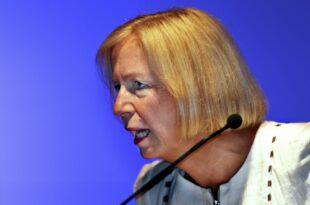 wanka ermahnt ungarischen bildungsminister 310x205 - Wanka ermahnt ungarischen Bildungsminister