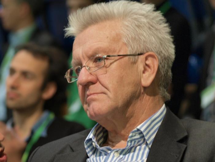 Photo of Hofreiter: Kretschmann gleicht in Autopolitik Merkels Versäumnisse aus