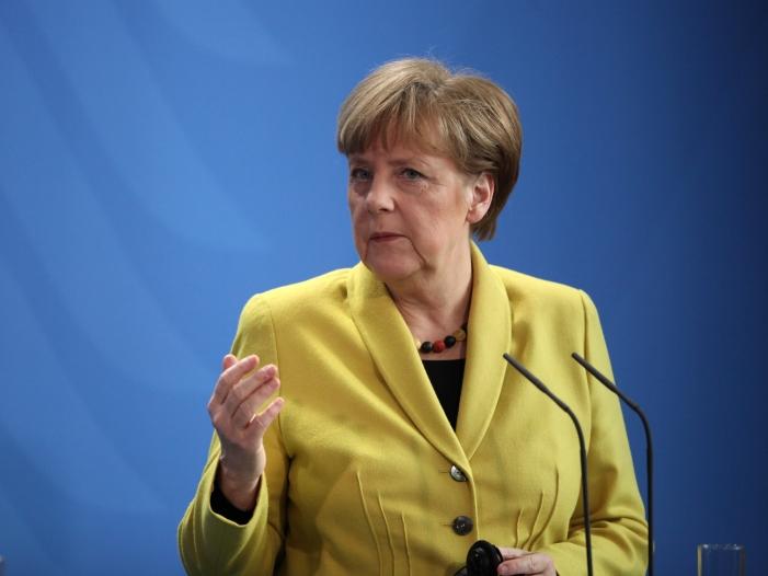 Photo of Merkel: Stärke und Gesprächsbereitschaft zeigen