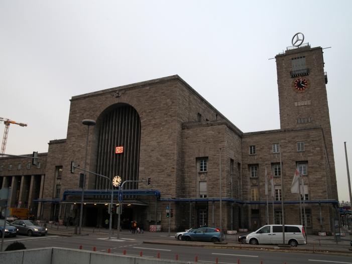 Photo of Stuttgarts Oberbürgermeister mahnt Nachrüstung von Diesel-Autos an