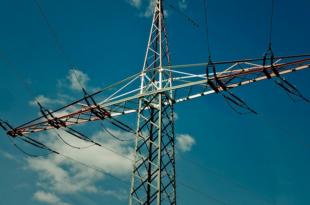 Stromleitungen 310x205 - Börsengang: Axpo-Chef Walo will sich «alle Optionen offenhalten»