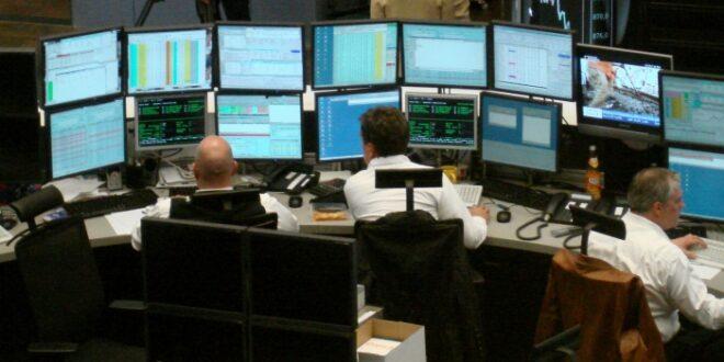 dax schliesst mit verlusten euro schwaecher 660x330 - DAX schließt mit Verlusten - Euro schwächer