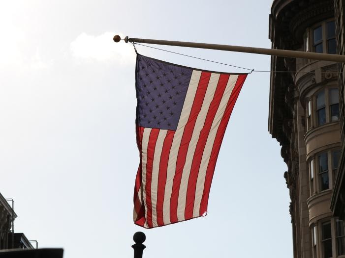 Bild von Ex-US-Botschafter Kornblum warnt Deutschland vor Abkehr von USA