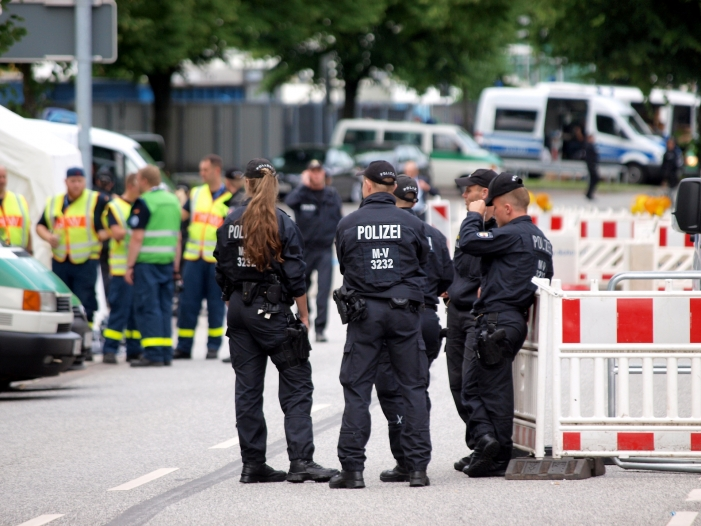 Photo of Hamburger Staatsanwaltschaft ermittelt gegen Polizisten