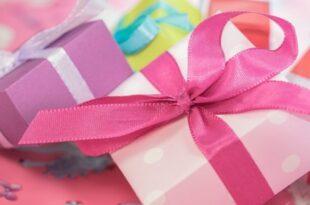 schenken 310x205 - Studie: Großzügigkeit macht glücklich