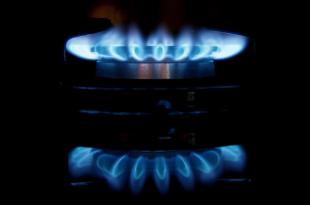 Gasflamme 310x205 - Der Gashahn bleibt offen, Kommentar zu Sanktionen von Christoph Ruhkamp