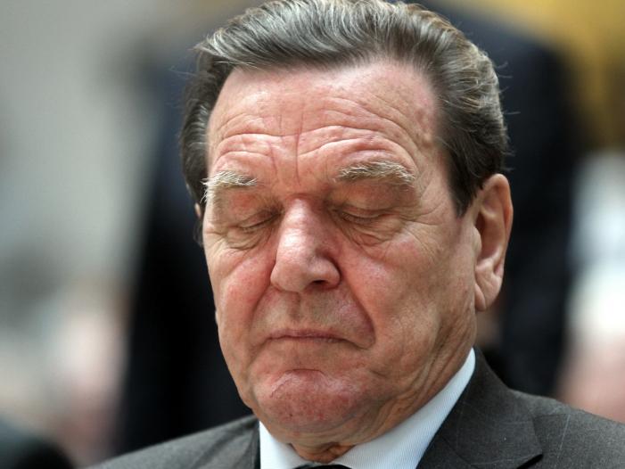 Bartsch will Bezüge für Ex-Kanzler und Ex-Bundespräsidenten kürzen