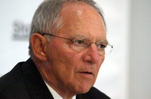 cdu und spd fordern schaeuble zu korrektur von vereins urteil auf 310x205 - CDU und SPD fordern Schäuble zu Korrektur von Vereins-Urteil auf