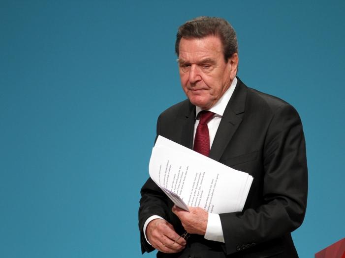 Photo of Weiter Ärger um Schröders Engagement bei Rosneft