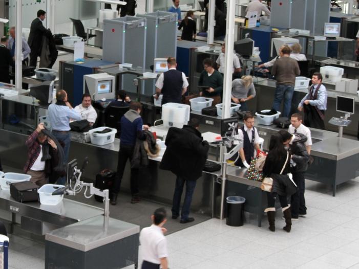 airport kontrollen csu politiker will an bestehendem system festhalten - Airport-Kontrollen: CSU-Politiker will an bestehendem System festhalten