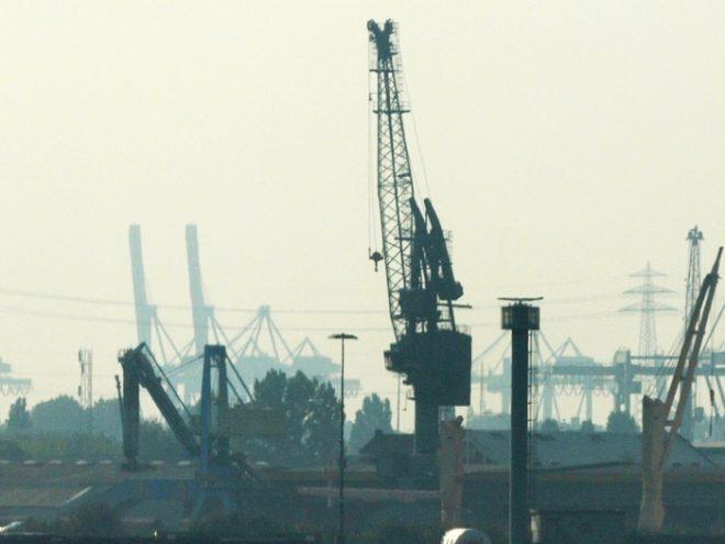 Bild von Außenhandelsverband korrigiert Exportprognose nach oben
