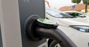 e auto ladesaeulen an tankstellen weiterhin seltenheit 310x165 - E-Auto-Ladesäulen an Tankstellen weiterhin Seltenheit