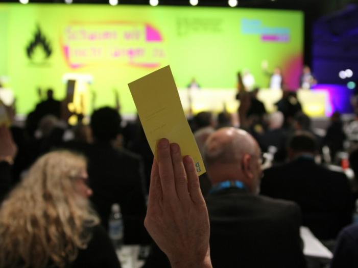 """Photo of FDP: Abschaffung der EEG-Umlage """"rote Linie"""" bei Sondierungen"""
