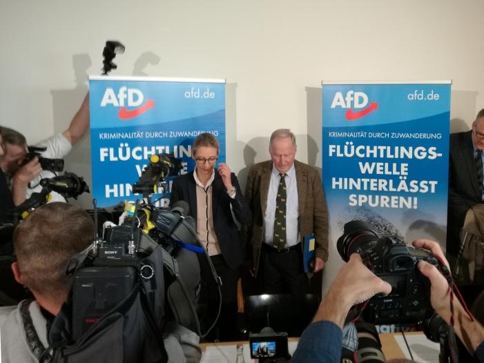 Photo of Etablierte Parteien fürchten AfD-Vertreter im Kontrollgremium