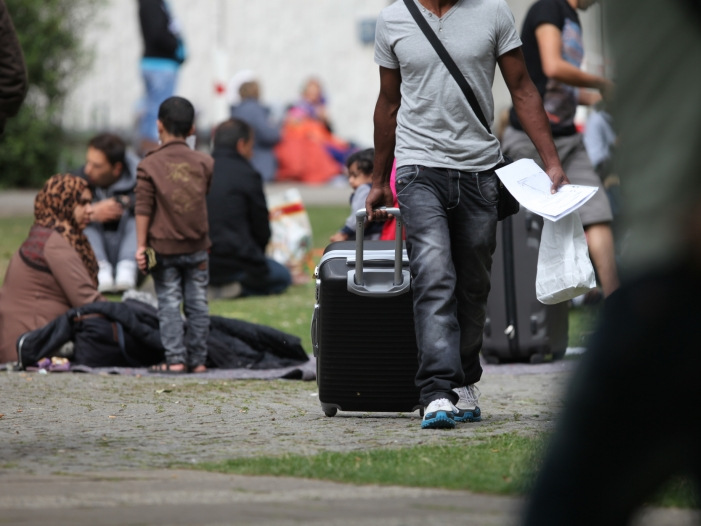 Photo of Ökonomen fordern Korrektur der Flüchtlingspolitik