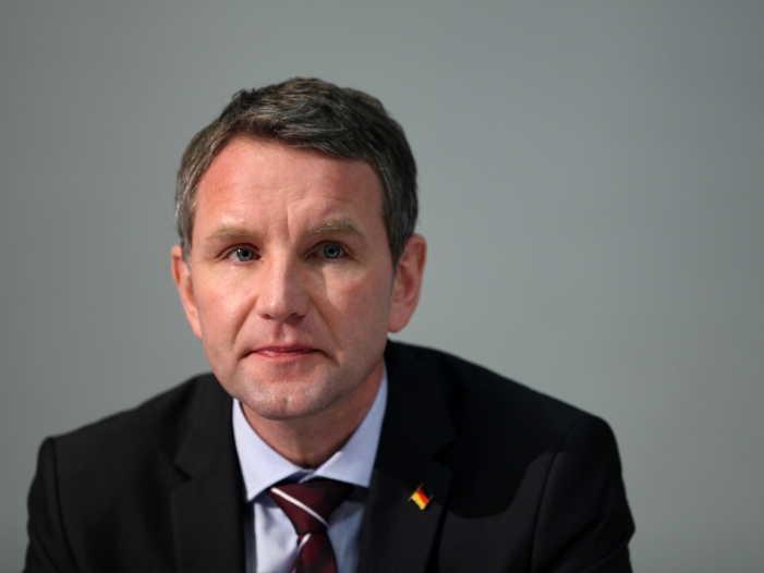 afd rechtsaussen hoecke fordert harten oppositionskurs - AfD-Rechtsaußen Höcke fordert harten Oppositionskurs