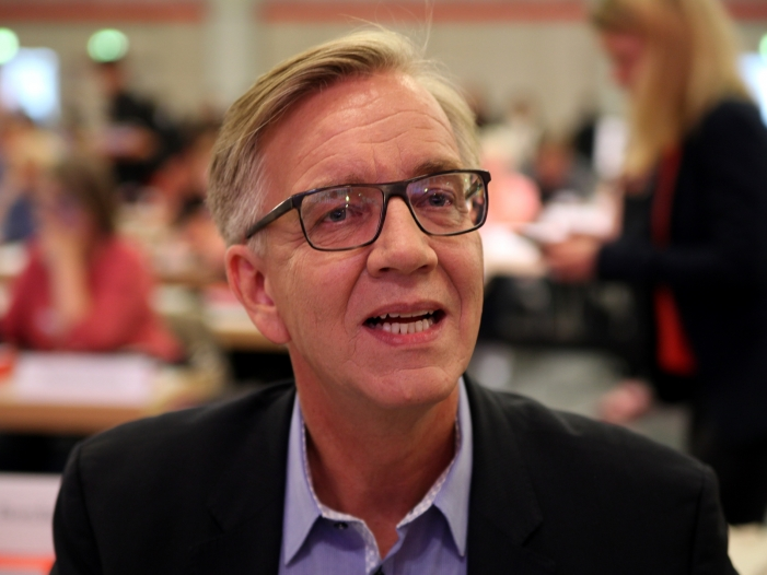 """bartsch verspottet spd als umfallerpartei - Bartsch verspottet SPD als """"Umfallerpartei"""""""
