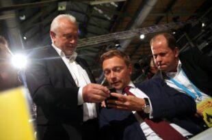 lindner kubicki waere als finanzminister nicht befangen 310x205 - Lindner: Kubicki wäre als Finanzminister nicht befangen