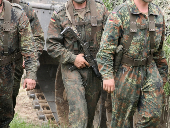 union begruesst truppenaufstockung in afghanistan - Union begrüßt Truppenaufstockung in Afghanistan